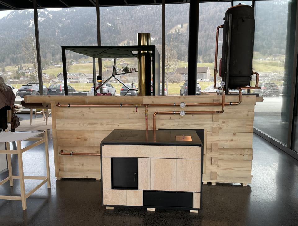 """Eine """"Installation"""" für  die Ausstellung über Wissen und Zusammenarbeit im Handwerk"""